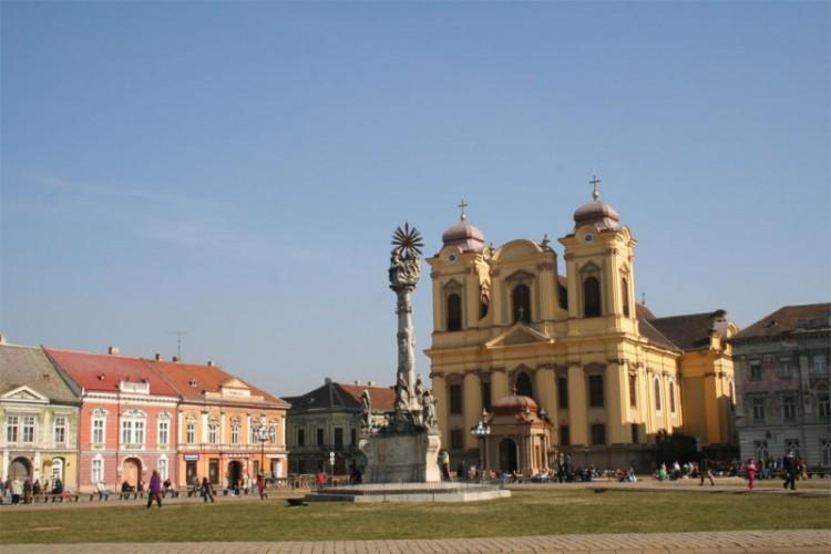 800px-Piata_Unirii_din_Timisoara
